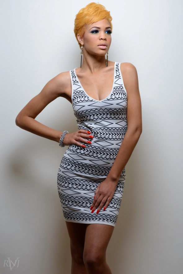 Taelor All White 3