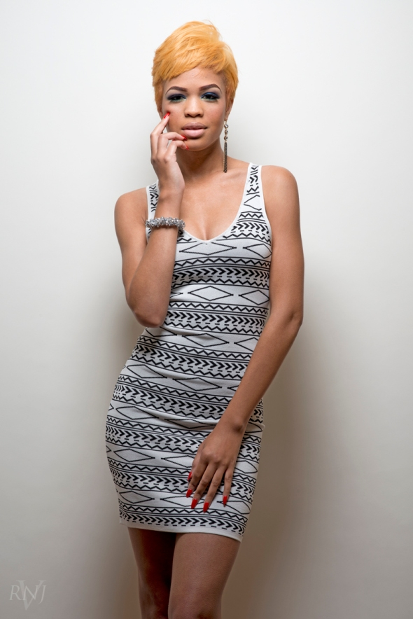 Taelor All White 5