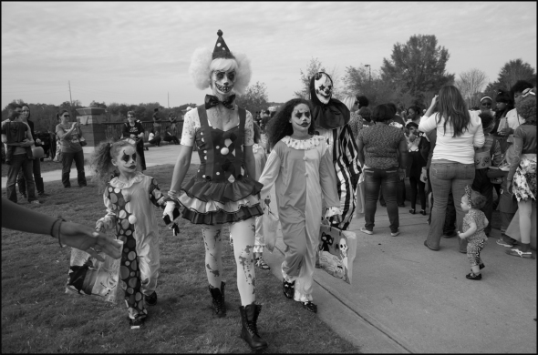 Scary Clown Family 1 blog